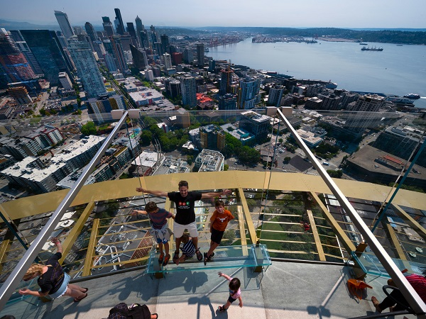 Space-Needle-4