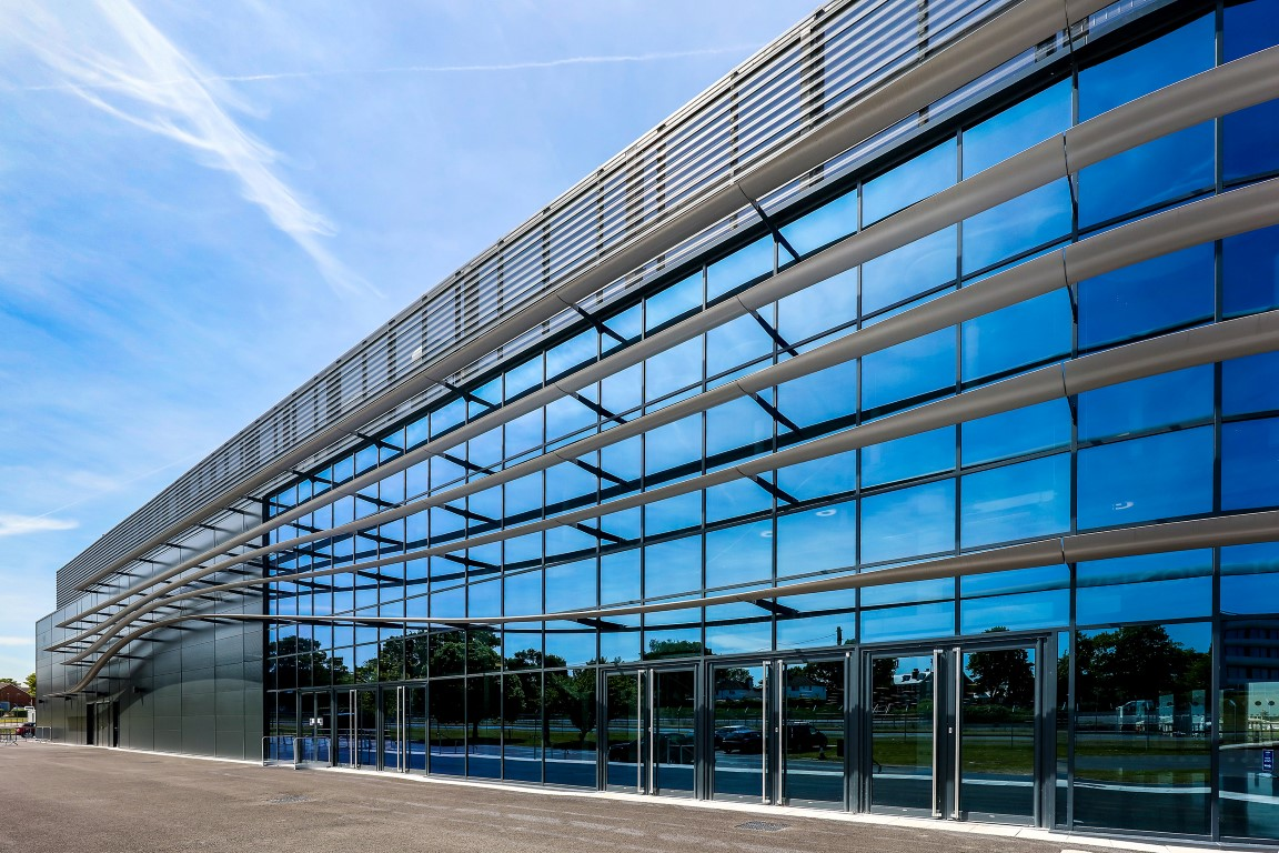Kawneer glazing systems help Farnborough reflect on the success of its new facility 2