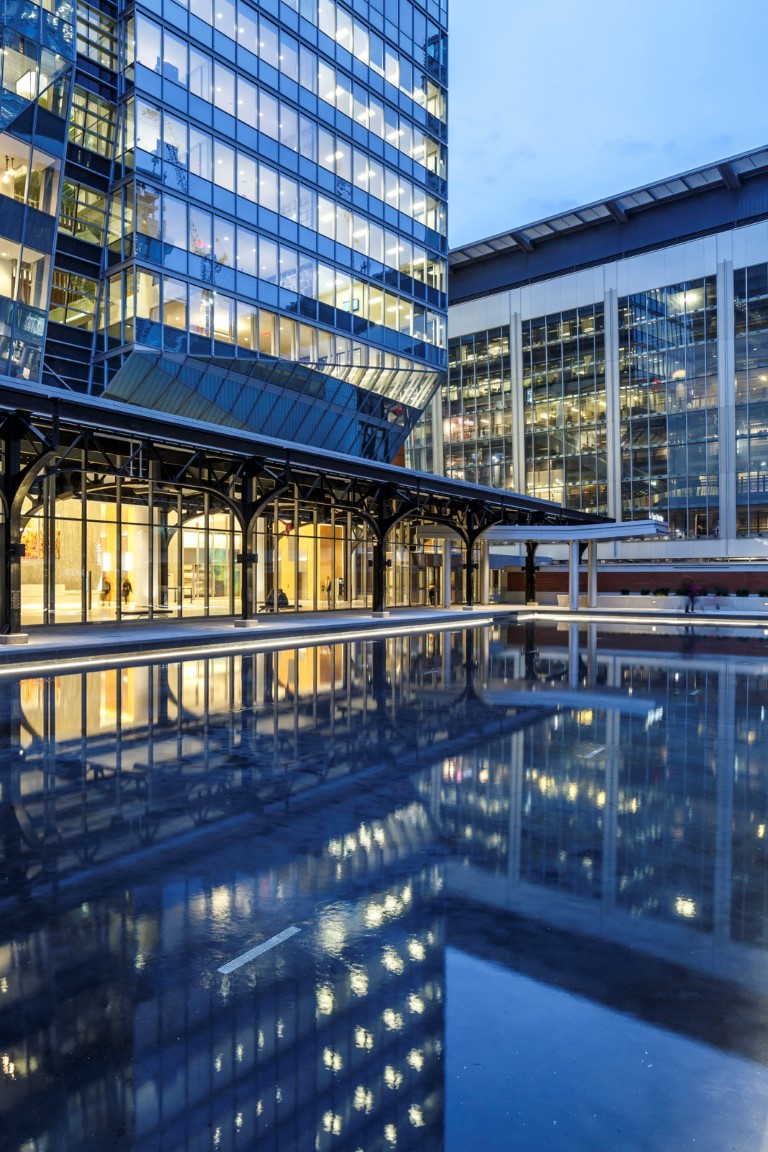 Monumental glass for a towering monument Deloitte Tower 3