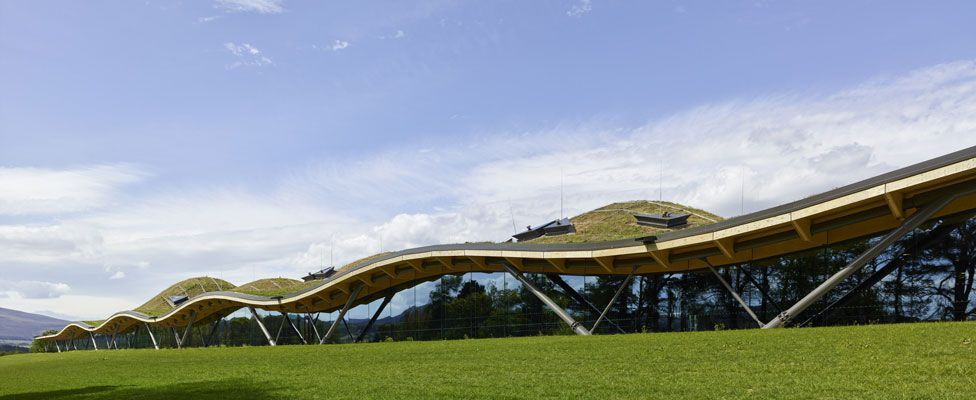 The Macallan Distillery and Visitor Experience / Rogers Stirk Harbour + Partners. Image © Mark Power
