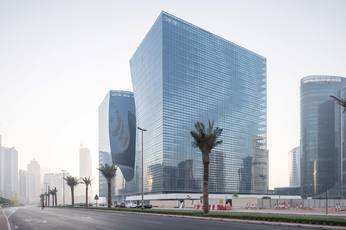 05_ZHA_Opus_Dubai_photo_laurianghinitoiu