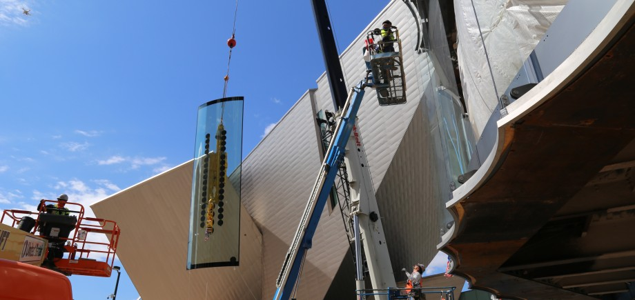 DAM Glass Install_Photo courtesy of Saunders Construction, Inc. (2)