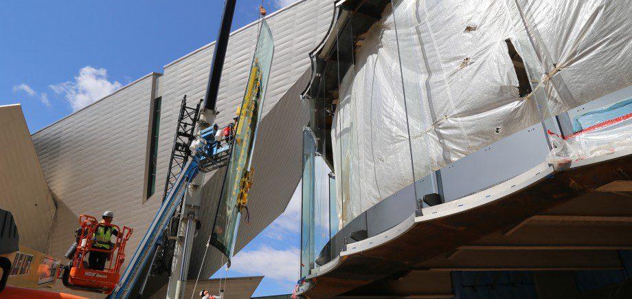 DAM Glass Install_Photo courtesy of Saunders Construction, Inc. (3)