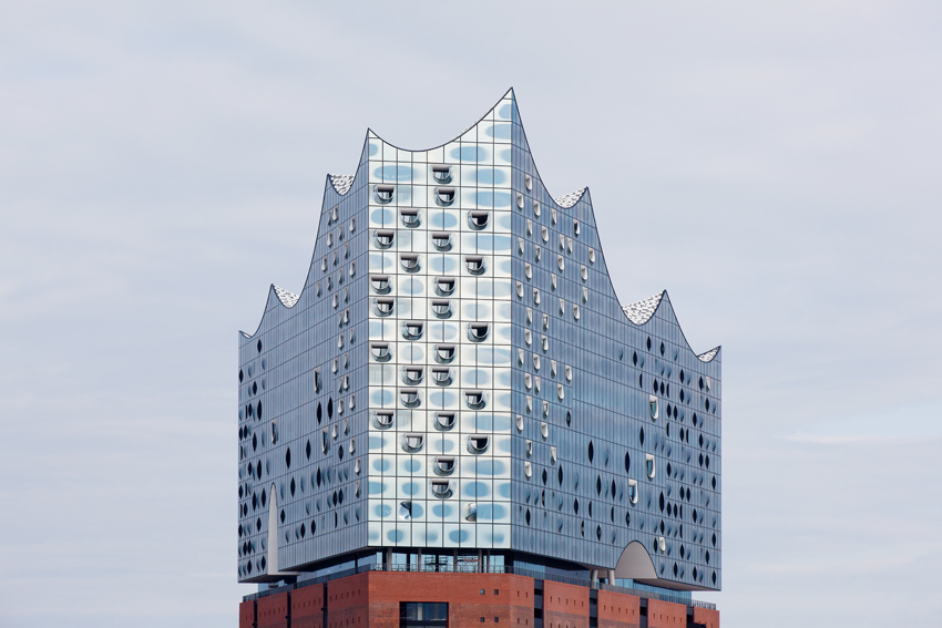 Thinking outside the box enables complex curved façade on Hamburg's concert hall