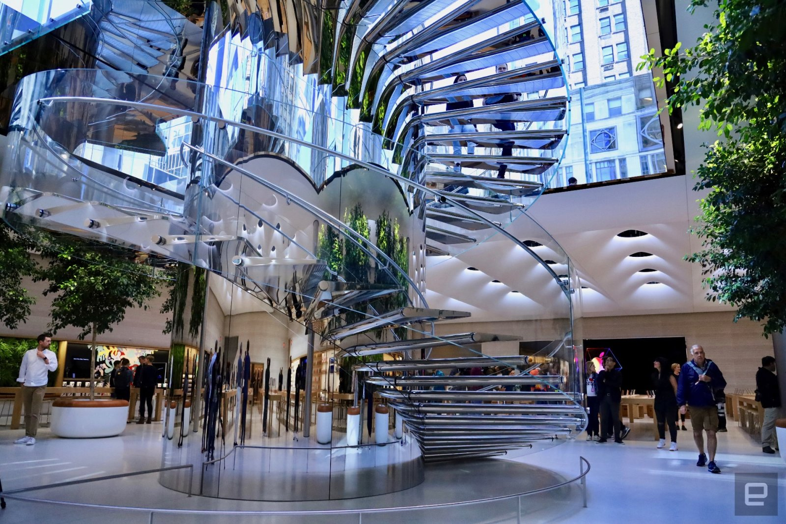 Extraordinary Laminated Glass Projects: From Strength to Impregnable